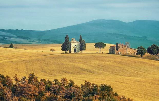tuscan golden hills - discover instagrammable places in tuscany